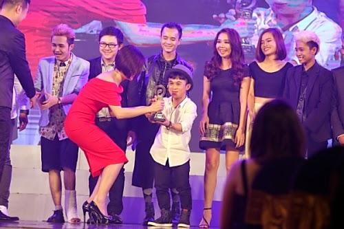 Nhóm Dam TV nhận giải Phim hài có thời gian xem nhiều nhất