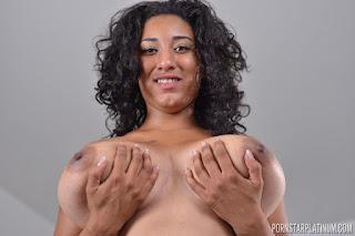 Ordinary Women Nude - rs-2015-11-29_Danni_Lynn_in_Big_Boob_New_Cummer_Solo_24-785265.jpg