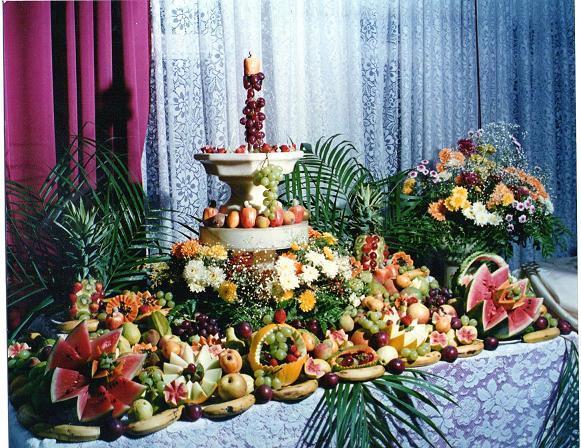 Dicas para preparar uma ceia de natal simples, barata e deliciosa [Revista Biografia] Revista  -> Decoração Mesa De Frutas Natal Simples