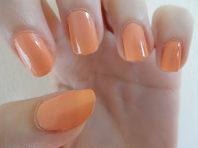NOTD Peachy Summer nails