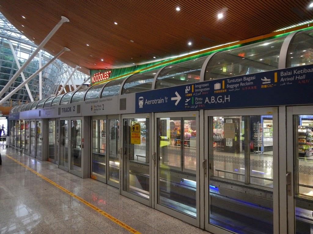 KL Airport metro