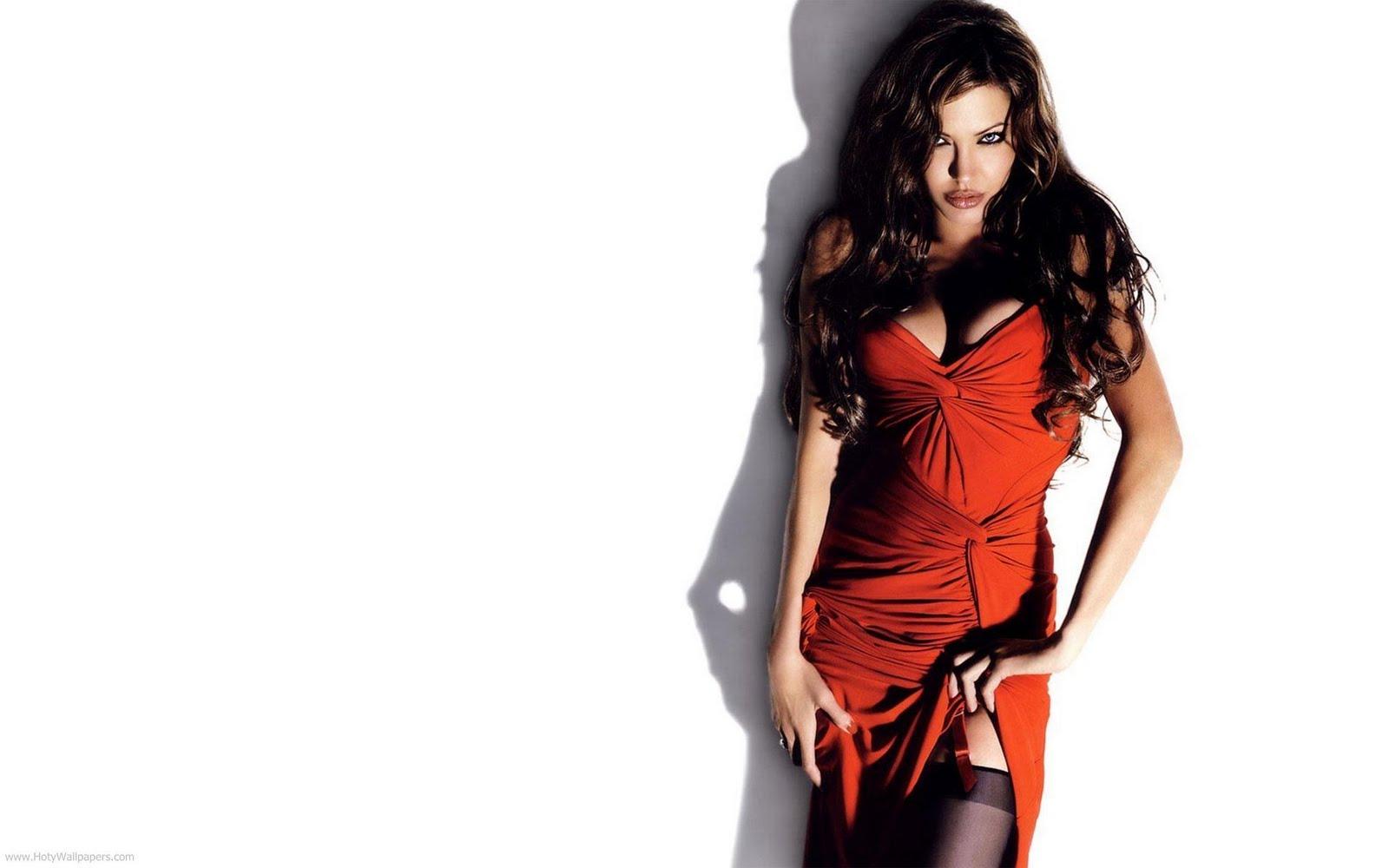 http://3.bp.blogspot.com/-g4Y96zTrgKs/TxQnhxUlWlI/AAAAAAAACTg/UwDebL8swkI/s1600/angelina_jolie_wallpaper-in-red-1920x1200.jpg