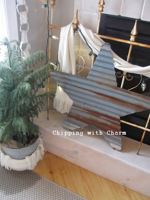 Chipping with Charm: Large Barn Tin Star...http://www.chippingwithcharm.blogspot.com/