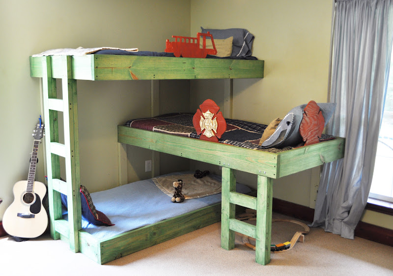 Triple Bunk Bed Plans 800 x 563