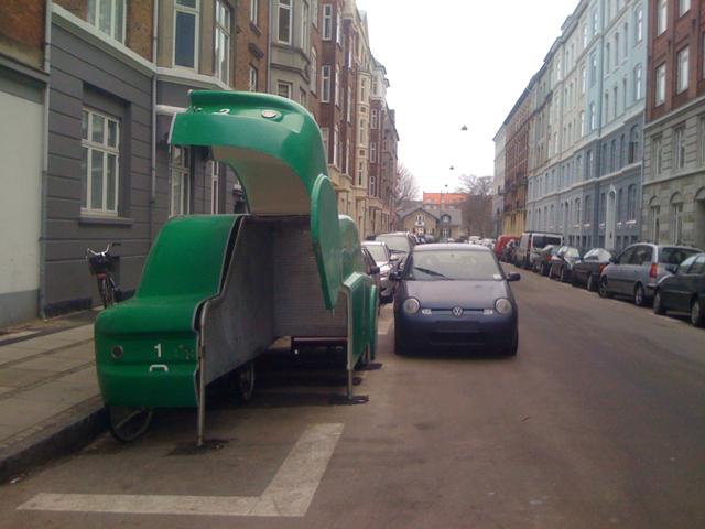 Estacionamento em formato de carro