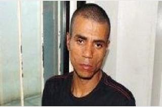 Homem estupra recém-casada na frente do marido e é preso