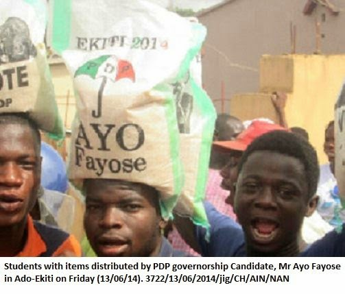 students-with-pdp-fayose-rice