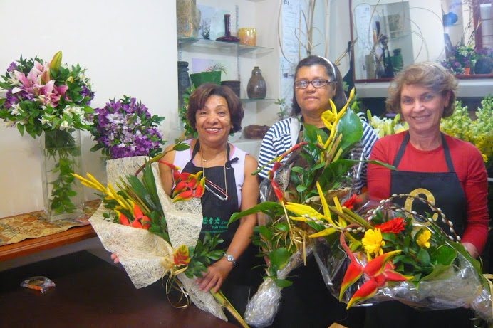 Workshop de Buques com Flores Tropicais .