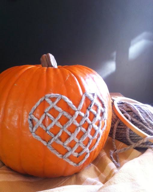 cross stitch pumpkin heart satsuma street crossstitch cross-stitch xstitch halloween jackolantern
