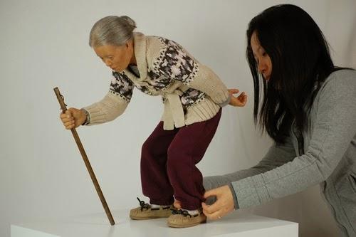 11-Jackie-K-Seo-Avatar-Hyper-Realistic-Sculptures-Artists-www-designstack-co