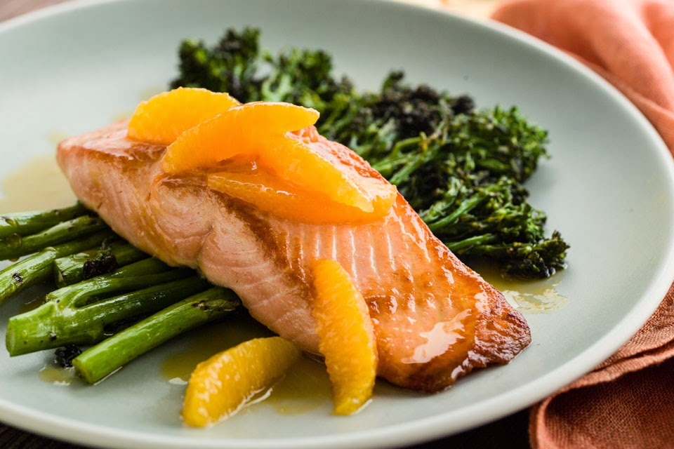 Nice Food Recipe: pan fried salmon with broccolini & seared lemon