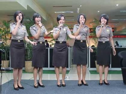 diva baranita girlband