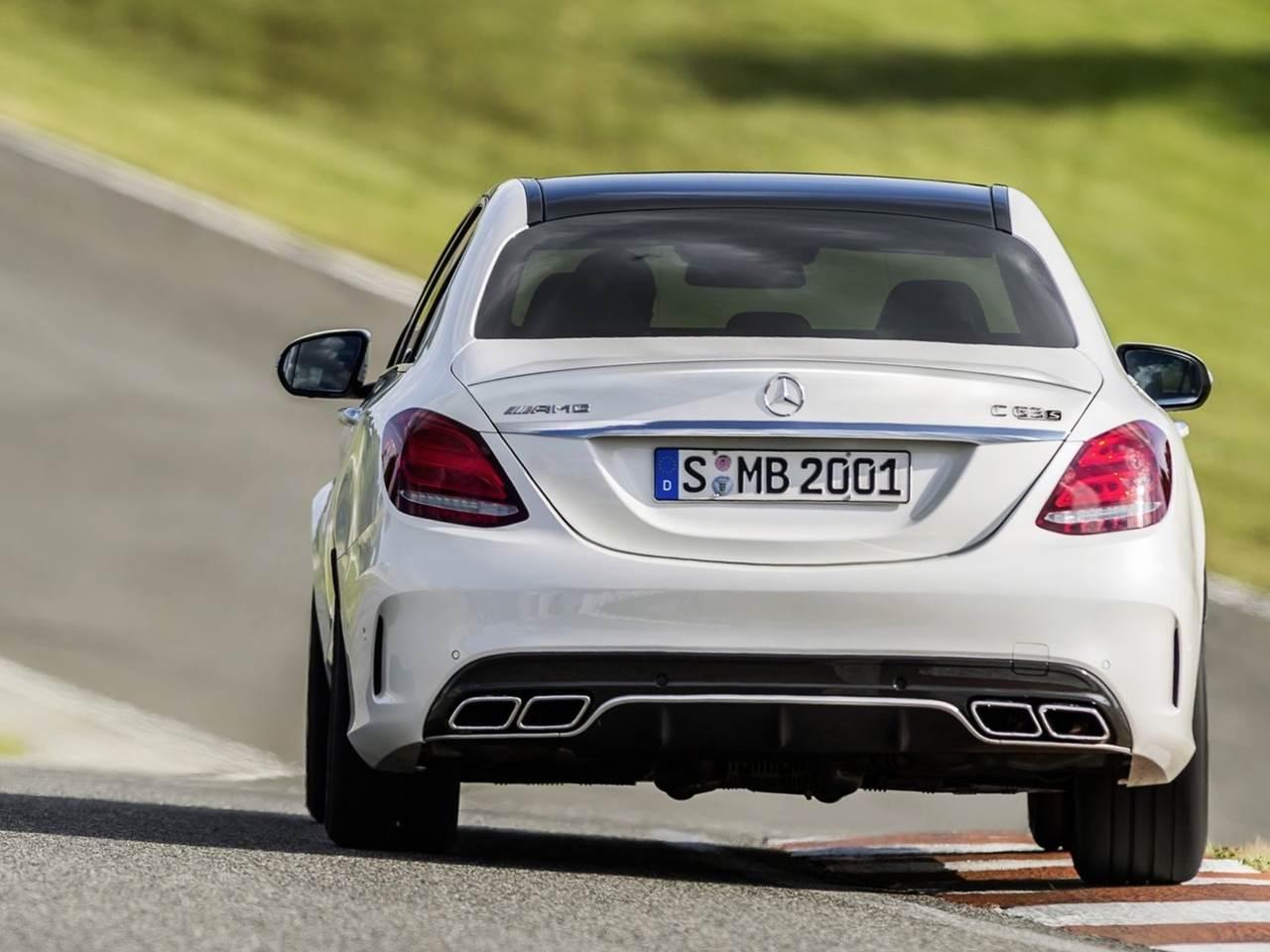 Mercedes amg c63 2015 v deos e especifica es oficiais for Mercedes benz modelos