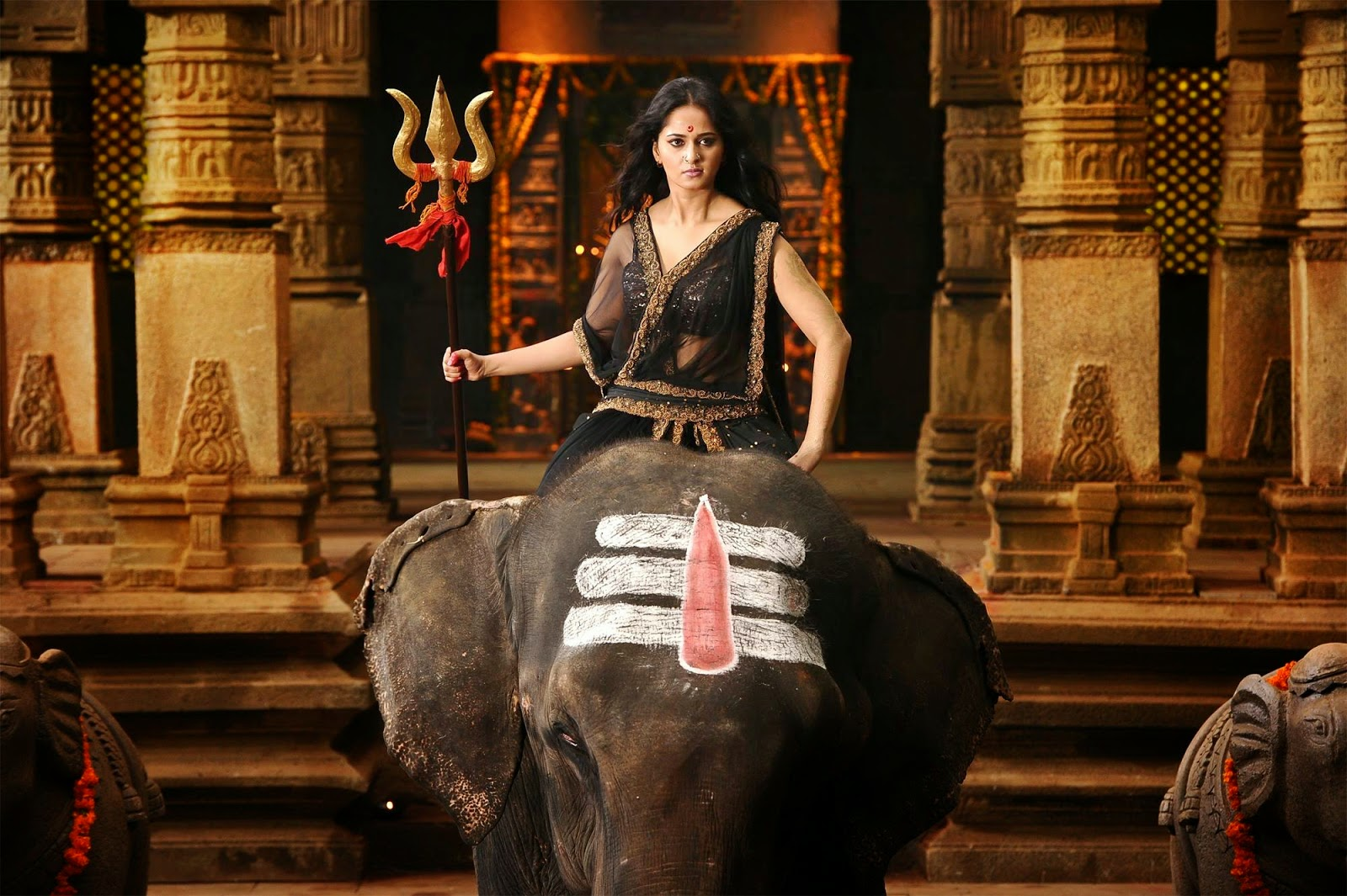 Anushka Shetty's movie Rudhramadevi photos gallery