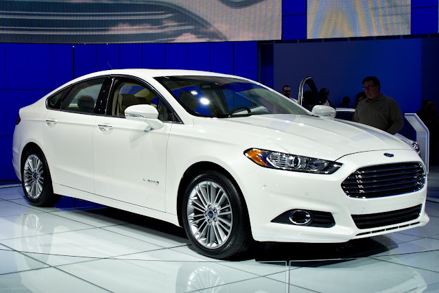2016 Ford Fusion Specs and Review