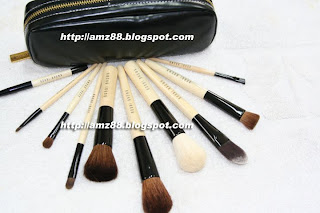 http://amz88.blogspot.com/2011/03/bobbi-brown-luxury-brush-set-kit-de.html