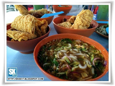 Laksa and Fried Food at Pasir Pinji Ipoh