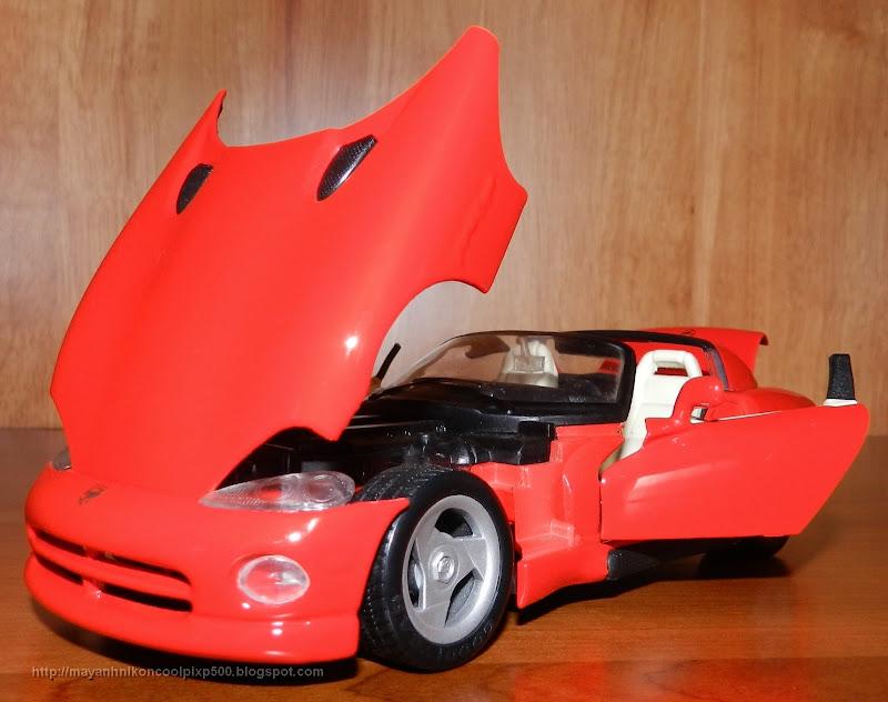 Diecast 1:24 Dodge Viper front