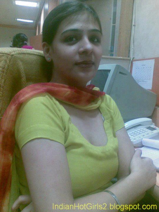 ... VeI/AAAAAAAAAyg/2fIFPknz2EA/s1600/Pakistani_College_Girls-5-750842.jpg