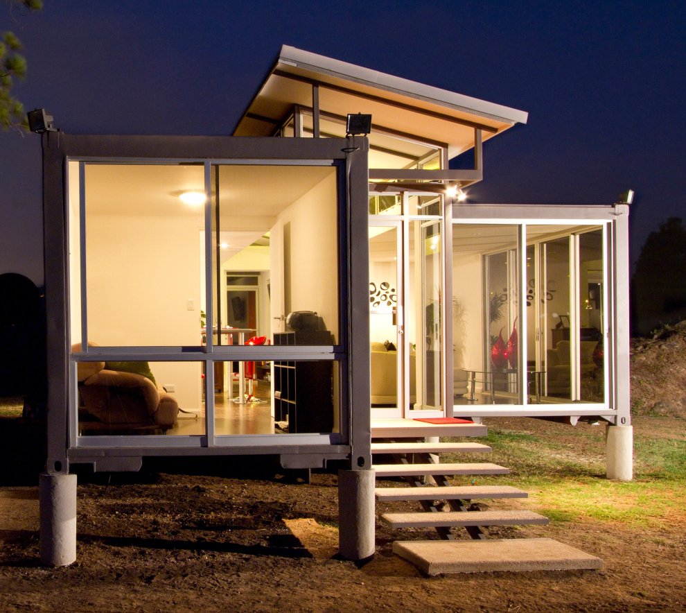 Shipping container homes 40 000 usd shipping container home for Www homee