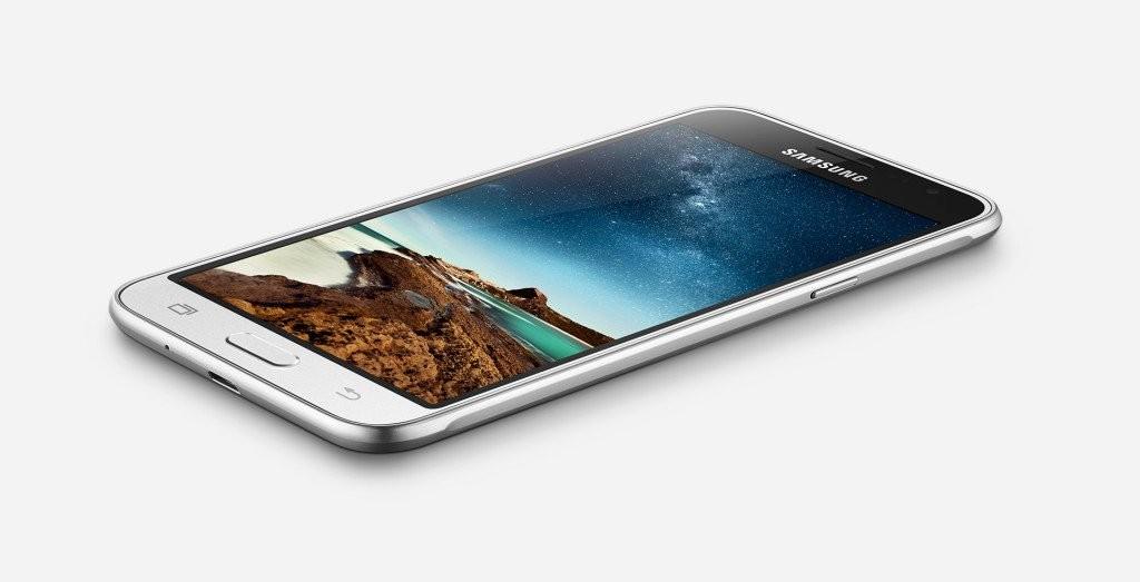 سامسونج تكشف عن هاتفها الجديد Galaxy J3