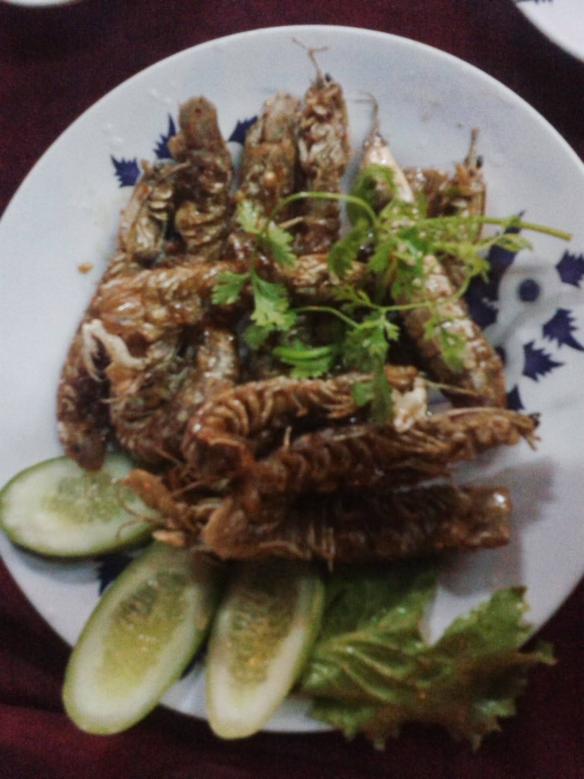 eating Mantis shrimp in vietnam