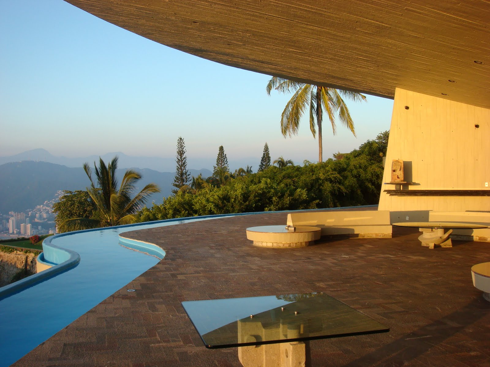 John lautner architecture in acapulco modern design by for Home architectures