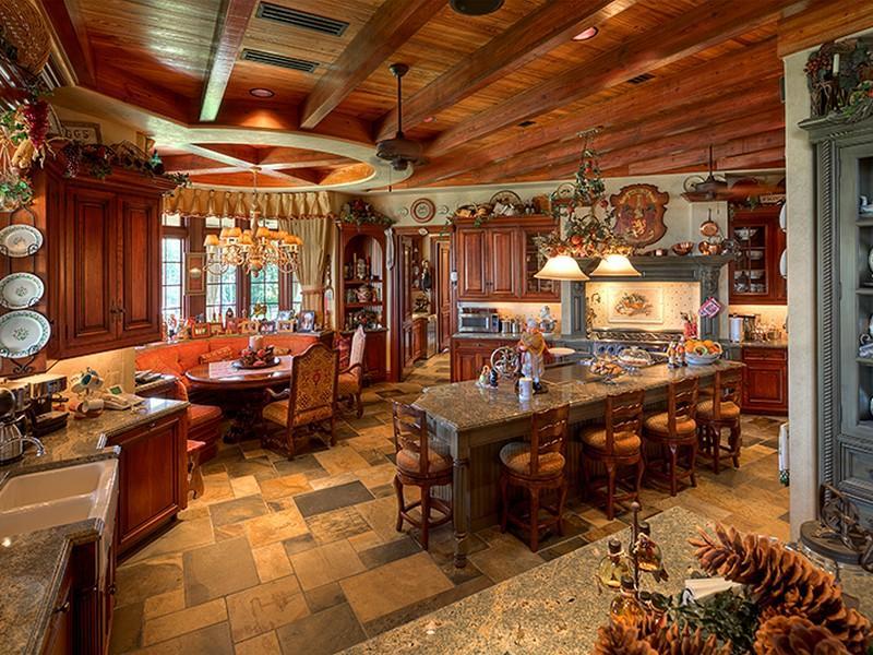 Mediterranean Style Home Interior