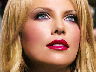 Charlize Theron Hot Pics, Charlize Theron Photos, Wallpapers, Images