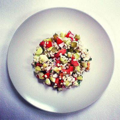 Sałatka warzywna z pęczakiem
