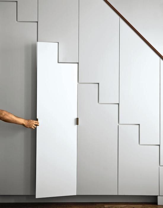 Living in designland inspiraci n armario bajo escalera - Armario bajo escalera ...