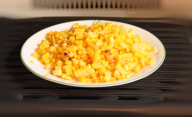 Салат с запечённой кукурузой