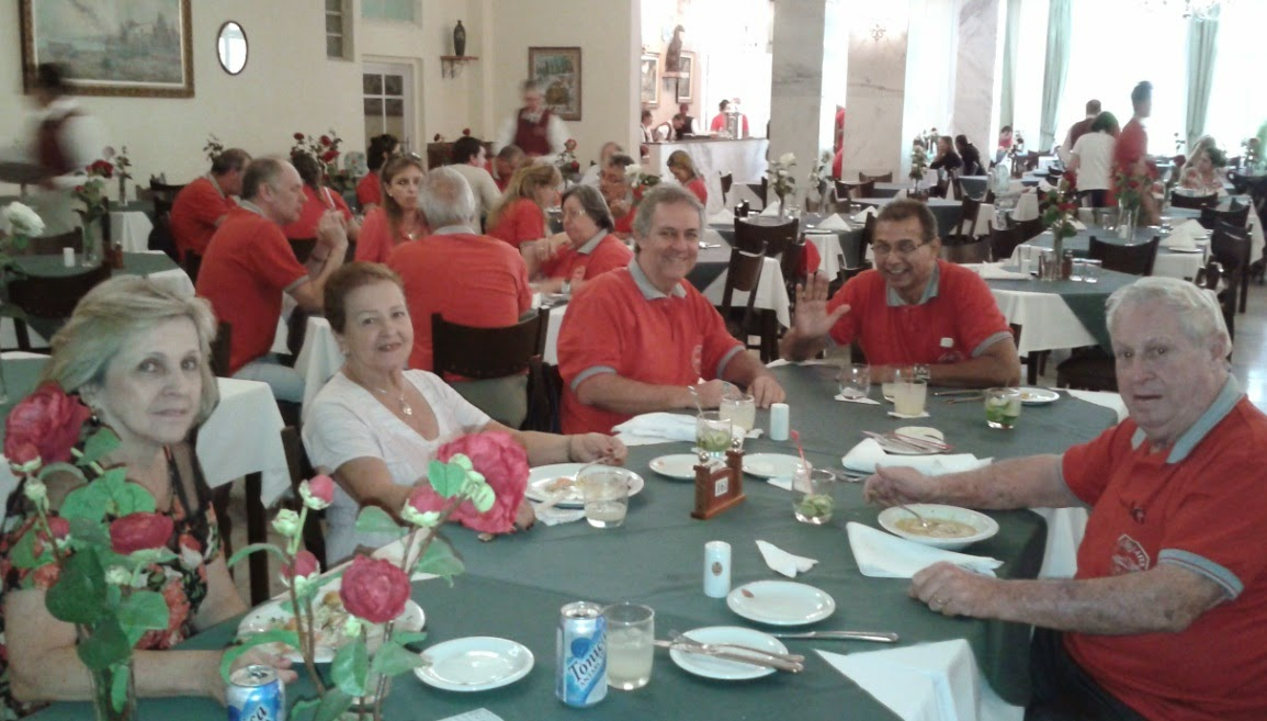 A tônica em lata não foi a tônica do dia, e sim as camisas vermelhas do Clube do MP.