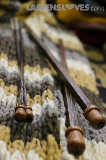 wooden+knitting+needles, organic+cotton+yarn