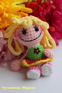 вязаня кукла крючком подвеска