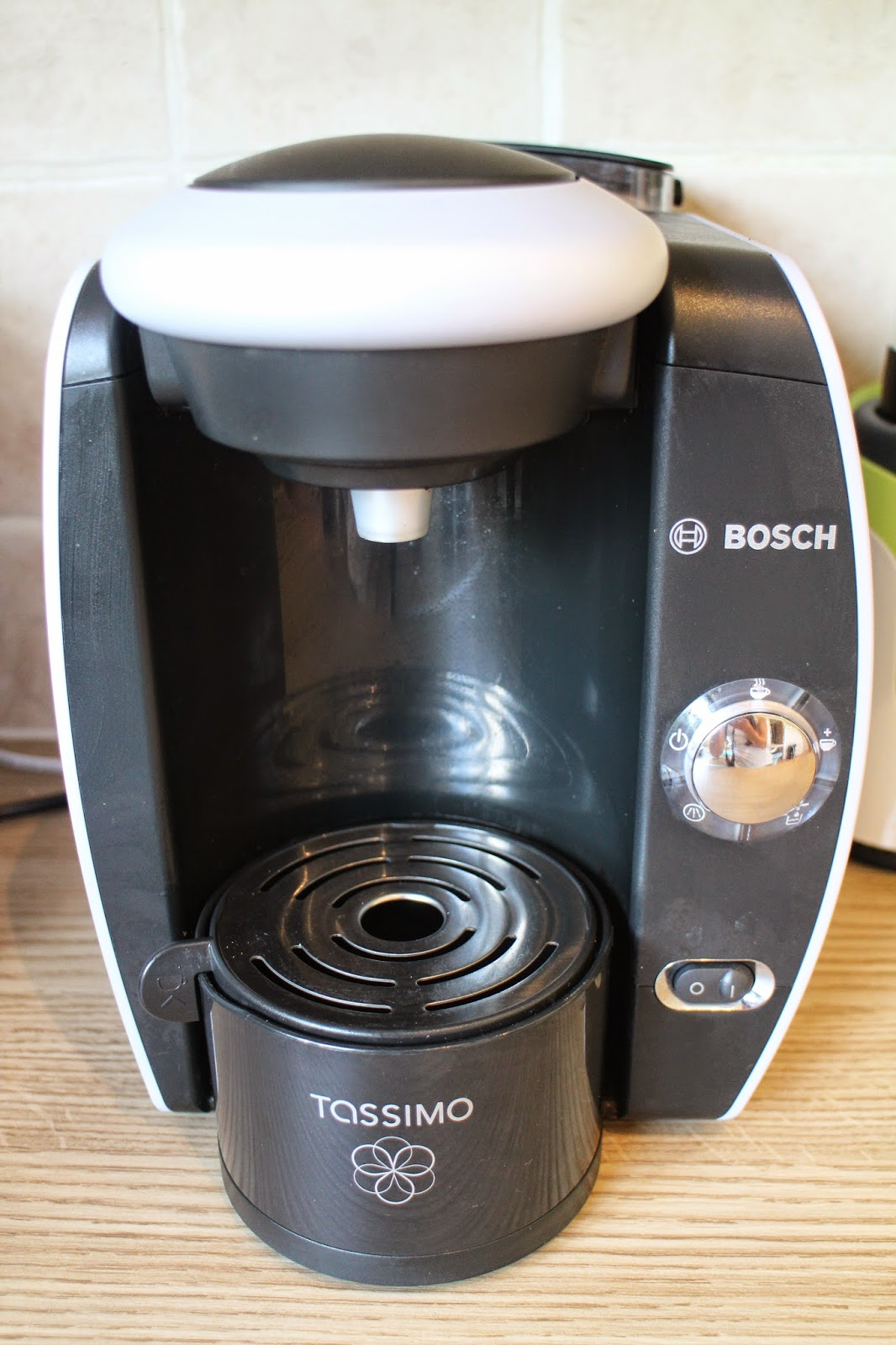 tassimo by bosch t40 fidelia multi drinks machine review. Black Bedroom Furniture Sets. Home Design Ideas