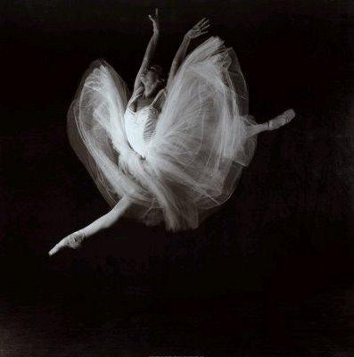 Ru  Nas Dan  Antes De Uma Bailarina Inventada