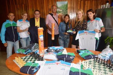 Gobernación de Mérida donó material deportivo a sociedad de ajedrez y hockey