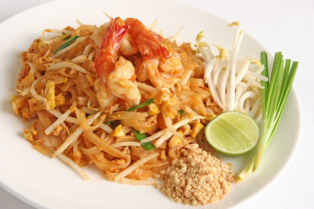 ve may bay khuyen mai di bangkok Pad Thái