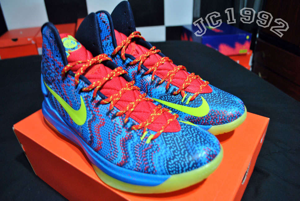 SNKROLOGY: A SOFT SPOT: Nike KD V - Christmas shoes/video games edition