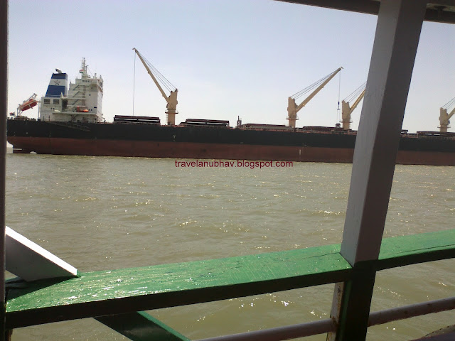 Ship on the way from Mandwa to Gateway of India ferry
