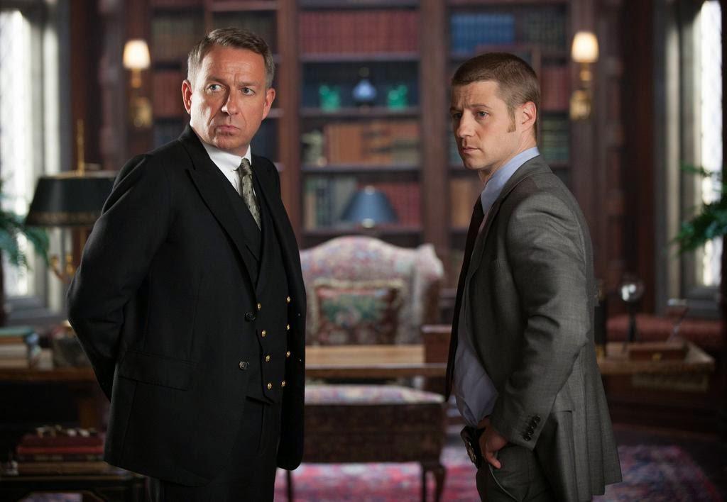 Sean Pertwee as Alfred Pennyworth with Ben McKenzie as Detective James Gordon in Fox Gotham Season 1 Episode 2 Selina Kyle