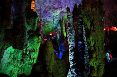 Diving caves