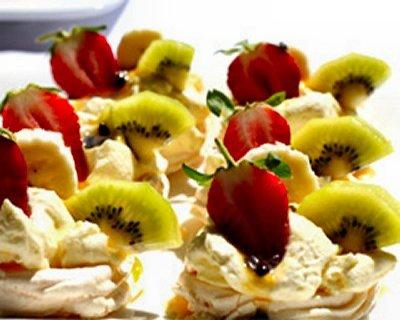 Mini Strawberry and Kiwi Fruit Pavlova's
