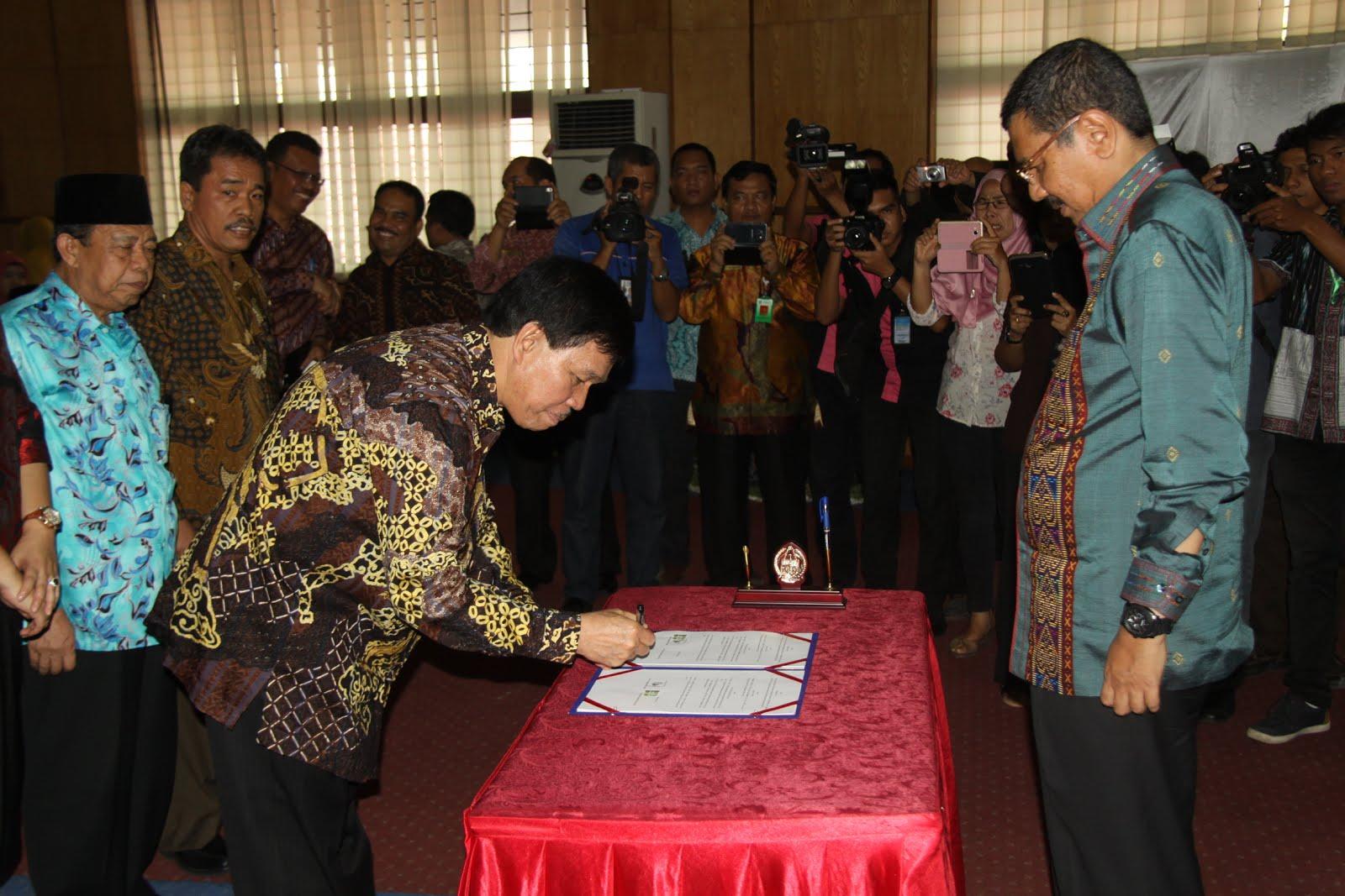 Gubsu MoU Bersama Pimpinan9 PTN/PTS 965 Sekolah Laksanakan UNBK