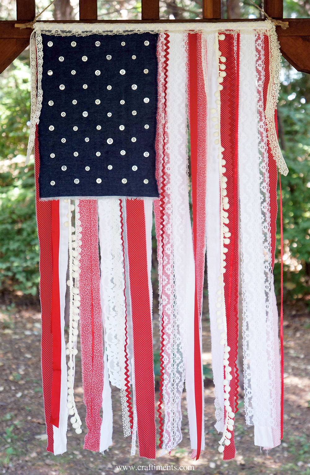 Craftiments:  Ribbon, lace and fabric scrap American flag