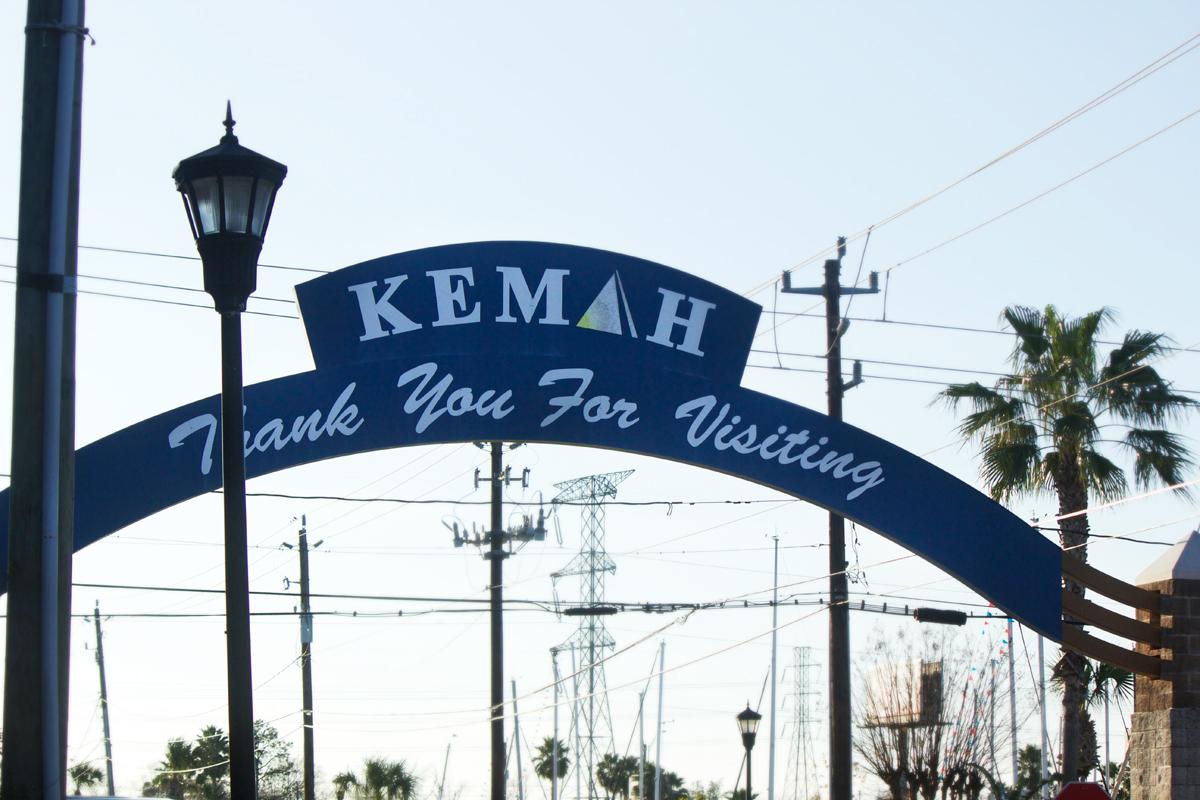 kemah goodbye sign