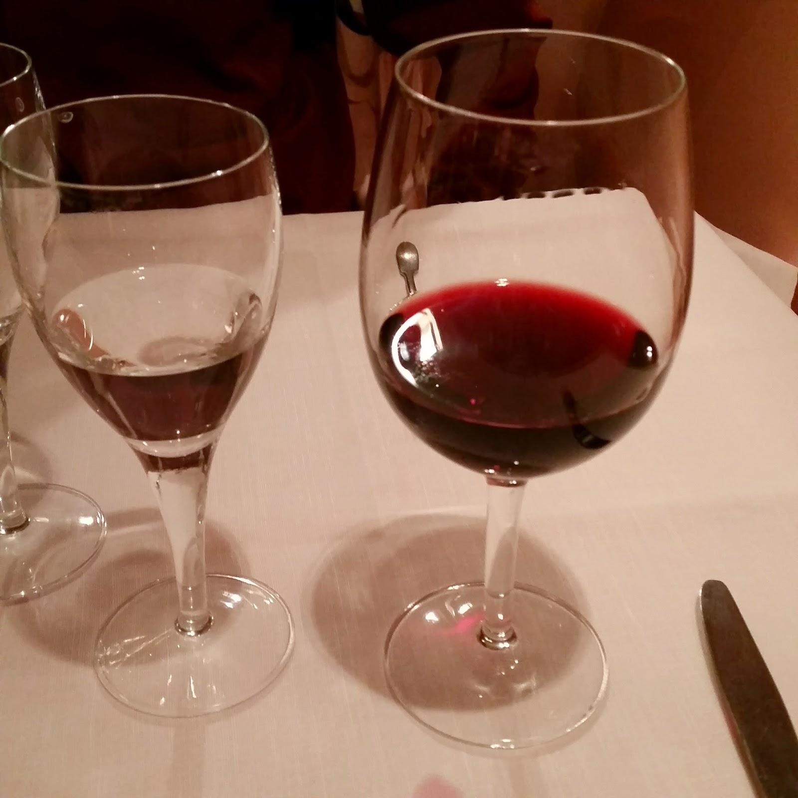 rode wijn aux iles marquises parijs