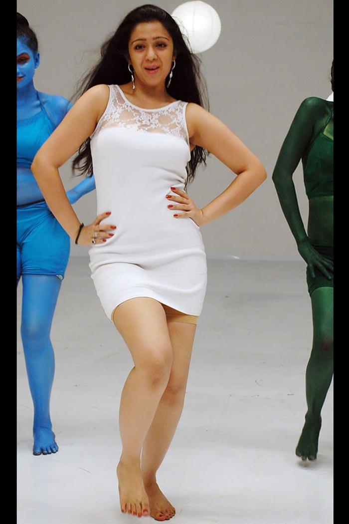 tamil actress charmi latest spicy photo stills cine pictures