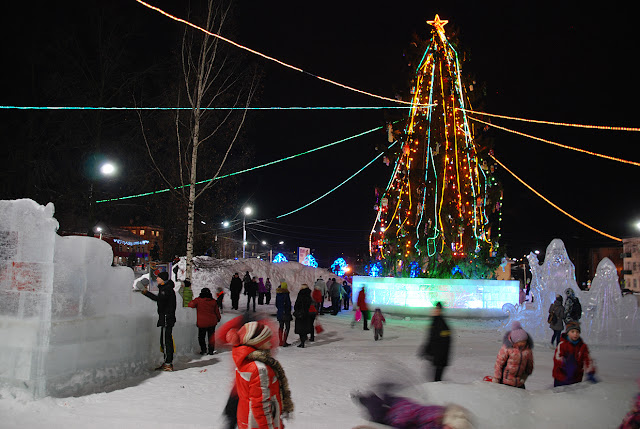 Ёлка и ледовый городок в Лысьве